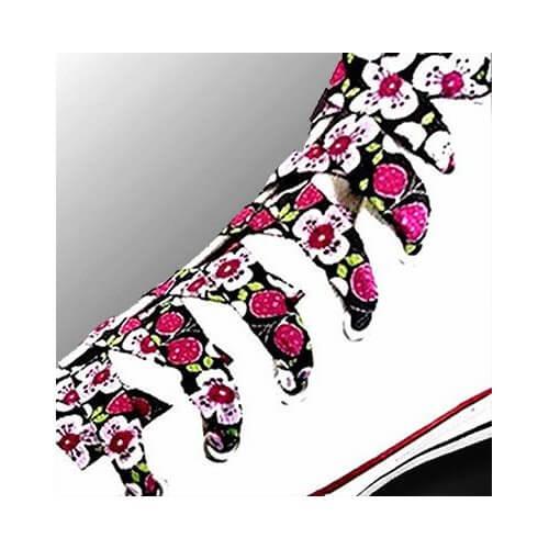 Lacets en noir à fleurs japonisantes