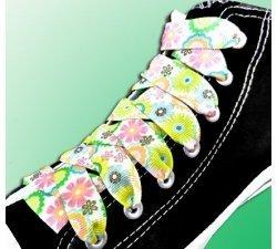 Lacets larges blancs à fleurs