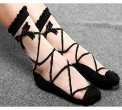 Chaussettes transparentes effet lacets noirs