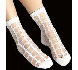 chaussettes transparentes effet carreaux blancs