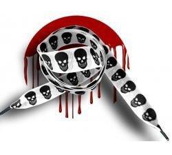 Lacets blancs têtes de morts, crânes noirs