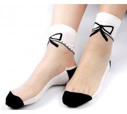 chaussettes transparentes blancheset noires